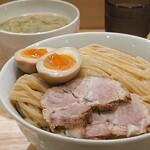 151805218 - ラーメン人生JETのDNAを受け継ぐ激旨つけ麺を大盛りで!