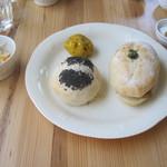 カフェ ポッシュ - カフェめし的なパンサンド-。プチヨーグルトとサラダ付き。