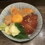 海鮮食飲市場 マルカミ食堂 - 漬け丼