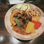 游喜庵(遊喜庵) - キーマカレー 揚げ野菜