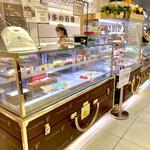 チョコレートショップ 博多の石畳 - 店内写真(ショーケース)