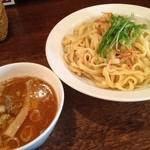ガハハ食堂 - 平打ち麺に甘い海老出汁!