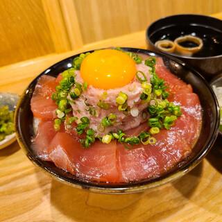 限定10食!マグロユッケ丼定食!