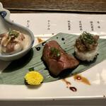 舎人庵・とんぼ - 飛騨牛彩り寿司三巻盛り