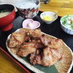 ハマの鶏次 - 俺の塩から揚げ定食500円