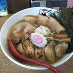 めんきち - 今回はこれをぜひ食べたかったんです。「牡蠣煮干し中華そば」-2、実食。ちなみにチャーシュー増し