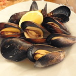 ピッツェリア キアッキェローネ - ムール貝の胡椒蒸し