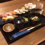 大衆酒場 そら - 【すし定食】(800円税込)