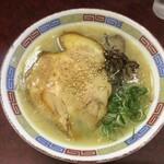 豚珍軒 - 料理写真:博多らーめん
