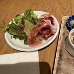 トラットリア コダマ - サラダも食べ放題。