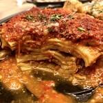 ラザニアCORE - トマトソースに挽肉の旨さは王道って感じで良い!