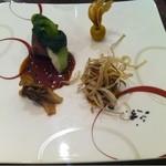 ヴェルミヨンバーグ - 特選和牛フィレ肉と仔牛胸線肉を焦がしバターとトリュフの香りで秋野菜と共に