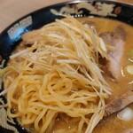 さっぽろラーメン 桑名 - 西山製麺の普通茹で加減。