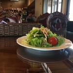雑貨と珈琲の店 豆 - 料理写真:サラダが先に