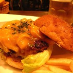 GRILL BURGER CLUB SASA - チーズバーガー