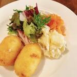 洋食や なかむら - 今日はビーフシチューとカニコロッケのセット