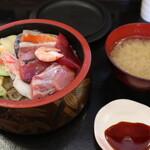 雑魚屋 - 料理写真:海鮮丼セット