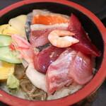 雑魚屋 - 海鮮丼アップ