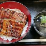 宇奈とと - うな丼ダブル 1000円 + 肝吸い 160円 ご飯大盛り無料ですが、今回は普通盛り