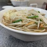 Kiraku - もやしワンタン麺 ¥950