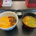 なか卯 - うなぎご飯+みそ汁(450円+100円)