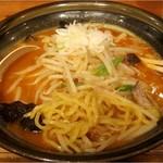 15193986 - 北海道らーめん きむら初代の味噌オロ(辛口) 900円