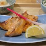 サケトサカナ - ジューシー!!鮭のハラス