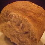 モンプチコションローズ - ライ麦のパン