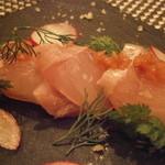 モンプチコションローズ - 房総産鮮魚のカルパッチョ クロムツ