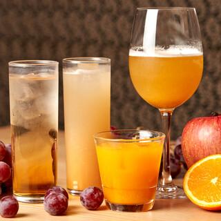 水たきに合うオリジナルの日本酒、焼酎。果実酒なども豊富です