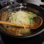 麺屋 あわざ - 海老塩ラーメン(750円、斜め上から)