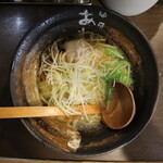 麺屋 あわざ - 海老塩ラーメン(750円、真上から)