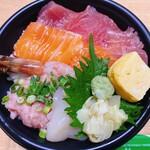 海鮮丼 うらしま - 料理写真:海鮮丼(大盛)
