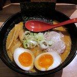 151956507 - 開高 「白味噌らー麺+味玉」