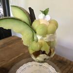 古民家カフェ きのこくらぶ - 季節のフルーツパフェ