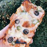 ブーランジェリー ヴェリテ - 料理写真:バゲットのピザトースト