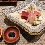 SHIMOMURA - [向付]マグロ・金目鯛・カンパチ ●ペースト状の醤油は食べる香味醤油です。醤油のもろみの様なコクと甘味のある風味が良いです。