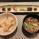 SHIMOMURA - [ご飯・香物・汁物] ●日本人で良かったと思えるセット。おかわりしても、残ったご飯は持ち帰り用におにぎりにして頂けます。
