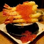 寿司と天ぷら ニューツルマツ - 海老だらけ塩天丼 鬼いくらがけ(2,280円)