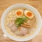 151998225 - 鶏ラーメン 煮卵トッピング