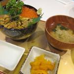 伸太 - ウニ・イクラ丼(M)