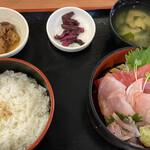 まぐろ食堂 七兵衛丸 - 料理写真: