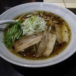 中華そば いちかばちか - 料理写真:中華そば 醤油(650円、斜め上から)