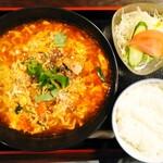 たなぽん食堂 - 料理写真:カルビラーメン大盛