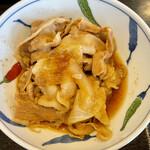 食堂もり川 - 豚肉煮込みは玉ねぎと一緒に炊いてあって甘味が強いです 失敗した