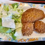 食堂もり川 - チーズハムフライも一口魚フライもパサパサ ソースたっぷりで誤魔化します