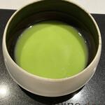 レーヌ デ プレ - うすい豆の冷製スープ