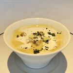 ビステッケリア エノテカ イル モーロ - 九十九里かぼちゃの冷製スープ 見た目が可愛らしいですね。