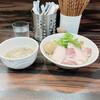 中華そば 梟 - 料理写真:わたりがに出汁のつけそば+肉増し+形の崩れた固茹で玉子
