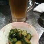 豚どん オセヨ - お通しと200円の生ビール
